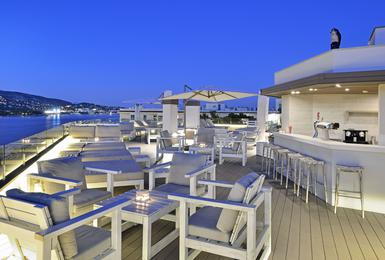 Chill Out Terrace (Suites Building) Alua Hawaii Mallorca & Suites Hotel Palmanova, Mallorca